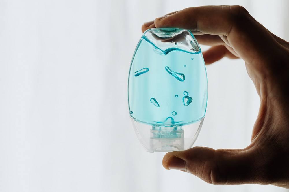 płyn do dezynfekcji w pojemniku